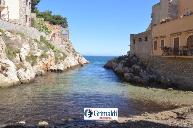 foto_4_spiaggia_sottostante_l_immobile_Nascia_Mastrilli_Immobiliare_Srls.jpg